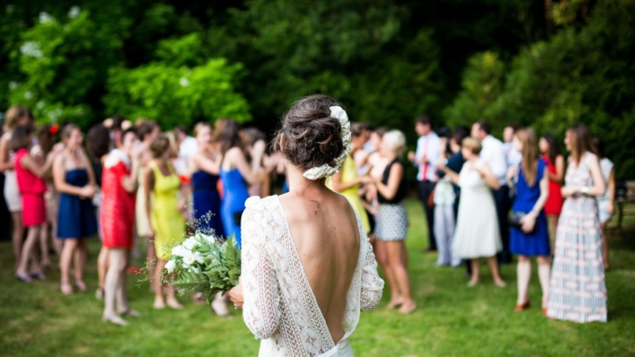 small wedding tips งานแต่งงานขนาดเล็ก humanist